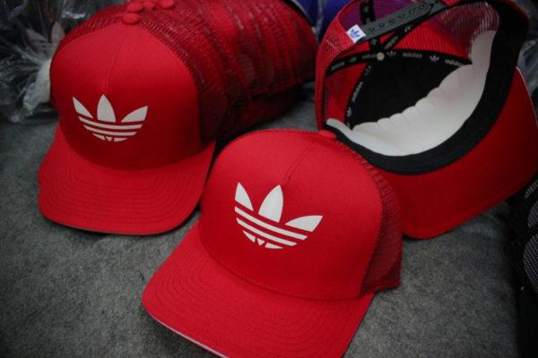 Tin tức  12 mẫu mũ lưỡi trai nam nữ hàng hiệu rẻ đẹp HOT