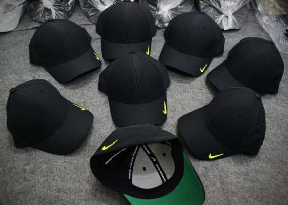 """Tin tức  12 mẫu mũ lưỡi trai nam nữ hàng hiệu rẻ đẹp HOT """"Chất"""" nhất 2020 non-ket-mu-luoi-trai-adidas-nike-snapback-nam-nu-dep-45-562x400"""